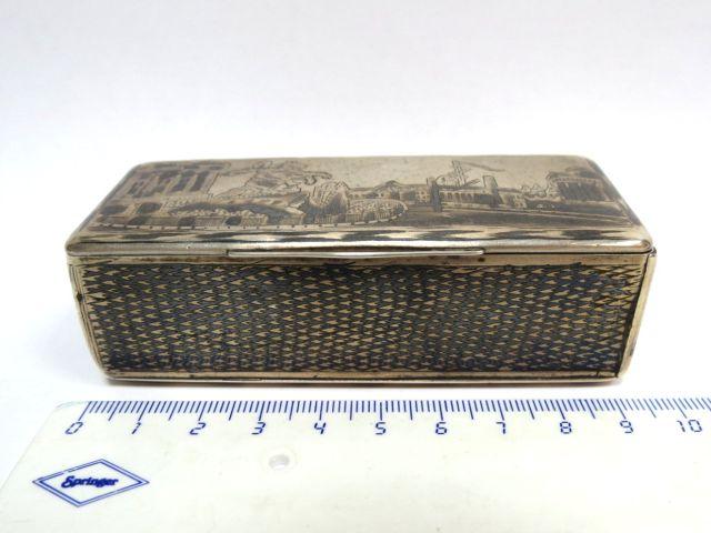 קופסת טבק, רוסיה הצארית עם עבודת ניילו מראות סנט פטרסבורג, המאה ה19,