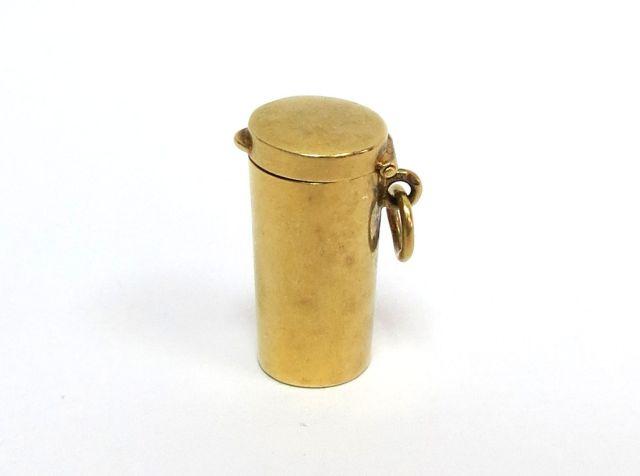 """פומית לעישון, מתקפלת שלושה חלקים, בקופסה תואמת, זהב 18K, צרפת, 5.6 גרם, אורך 2 ס""""מ"""