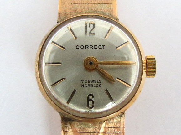 """שעון יד תוצ Correct, שוויץ הקופסה והצמיד זהב 14K, ס""""ה 19.2 גרם זהב נטו"""