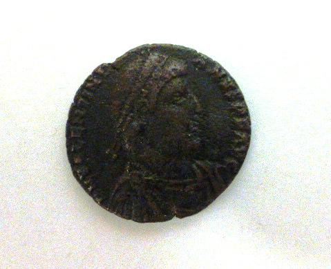 """מטבע ברונזה רומי, שלטון Valentinian I שנים 354-375 לספירה, קוטר 25 מ""""מ"""