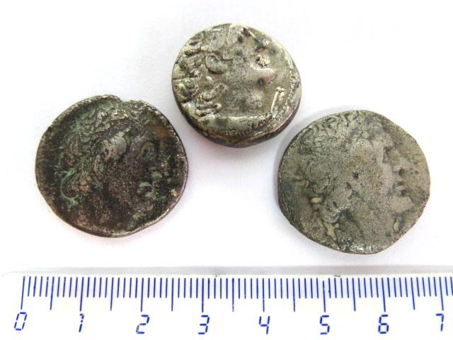שלושה מטבעות כסף, טטרדרכמות שושלת בית תלמיי, מצרים, מצבים VG-Good