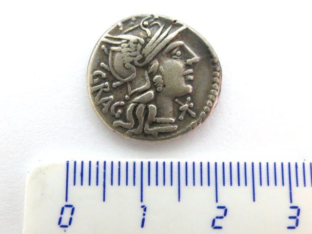 """מטבע כסף רומי ע""""ס דינר רפובליקני, 146 לפנה""""ס Antesia"""