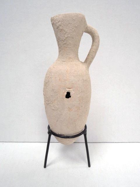 """כד אמפורה Dipper juglet תקופת הברונזה התיכונה 2200-1500 לפנה""""ס, מצב טוב, עם שני חורים (חורי טומאה כי באו מקבר)"""