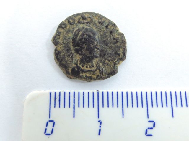 מטבע ברונזה רומי, שלטון הקיסרית Eudoxia, שנים 383-404, מצב VG