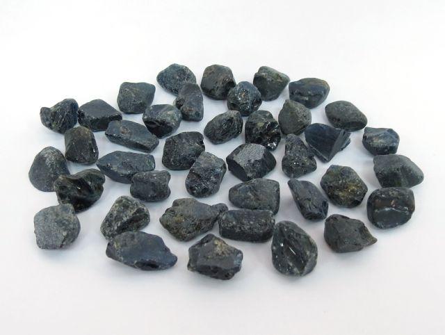 """גלם של ספירים כחולים כל אבן 8-10 ct, ס""""ה 350 ct"""