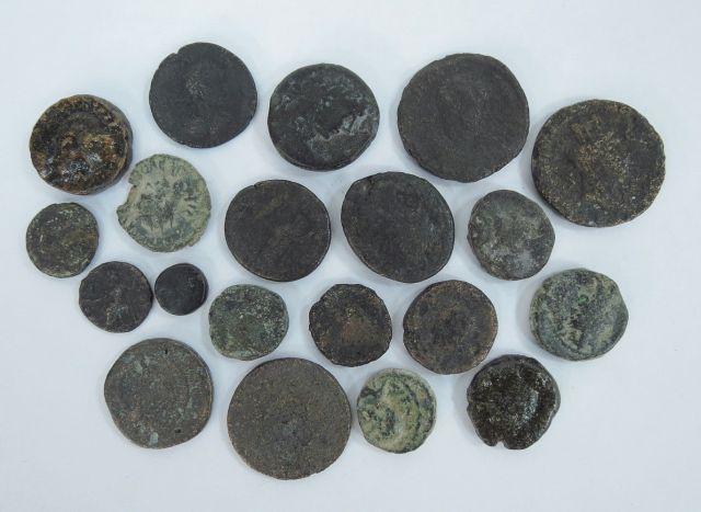 """לוט 20 מטבעות ערים רומיות, א""""י והסביבה מאות ראשונה-רביעית לספירה, מצבים שונים"""