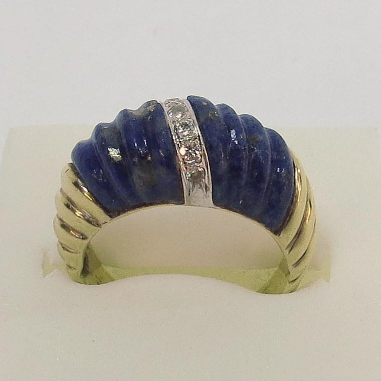 טבעת זהב 14K, משובצת לפיס ושבעה יהלומים קטנים, 6.6 גרם