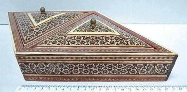 קופסת תכשיטים עבודת אינליי יד אומן פרס-איספהאן