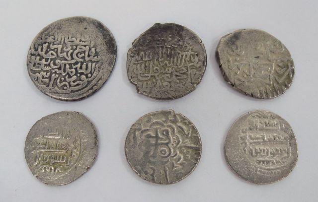 שש מטבעות כסף איסלמיות