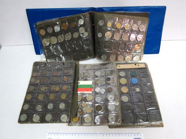 אוסף כ-730 מטבעות כל העולם מצבים שונים, תקופות שונות, לרוב המאה ה20