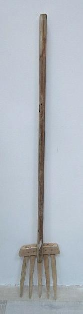 קלשון חציר עשוי עץ, ארץ ישראל, תחילת המאה ה20