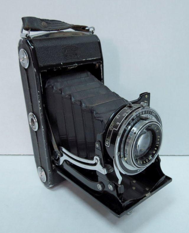מצלמת פילם Klio-Zeiss-Ikon עדשת 1:4.5