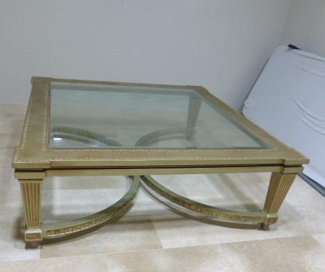 """שולחן סלוני, לוח מרובע,  140X140, גובה 49 ס""""מ עץ, עליון זכוכית"""