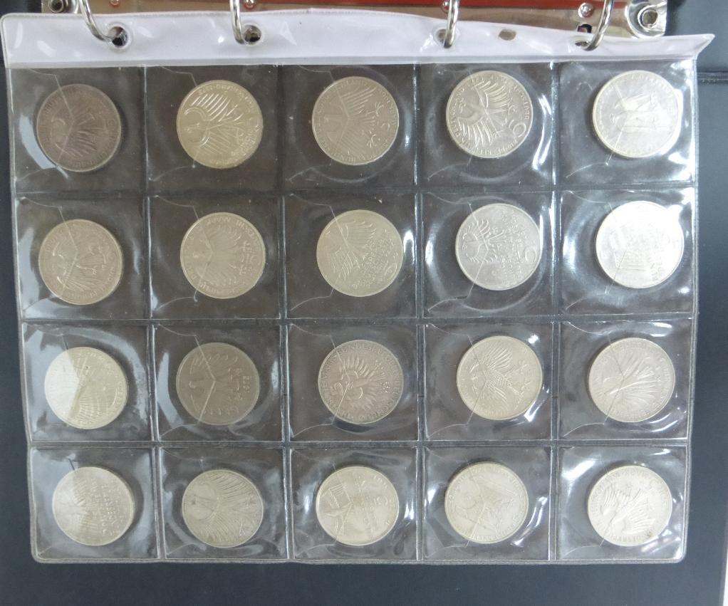 אלבום עם מטבעות, גרמניה המערבית כולל: 50 פפניג (20), 1 מרק (40), 2 מרק (17), 5 מרק (36), כולל מיוחדים ומטבעות כסף