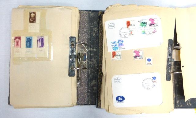 שני קלסרים עם אוסף בולי ישראל 1960-1975 לא שלם