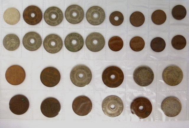 לוט מטבעות מנדט: 100 מיל (1927,1935,1939), 50 מיל (1935,1939), 20 מיל (1927,1935,1942,1944), 10 מיל (8), 5 מיל (1), 2 מיל (5), 1 מיל (7)