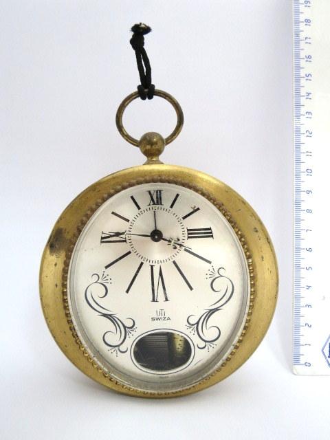 שעון מעורר עם מנגנון נגינה עדין,  צורת שעון כיס, תוצ Uti-Swiza (תקון)