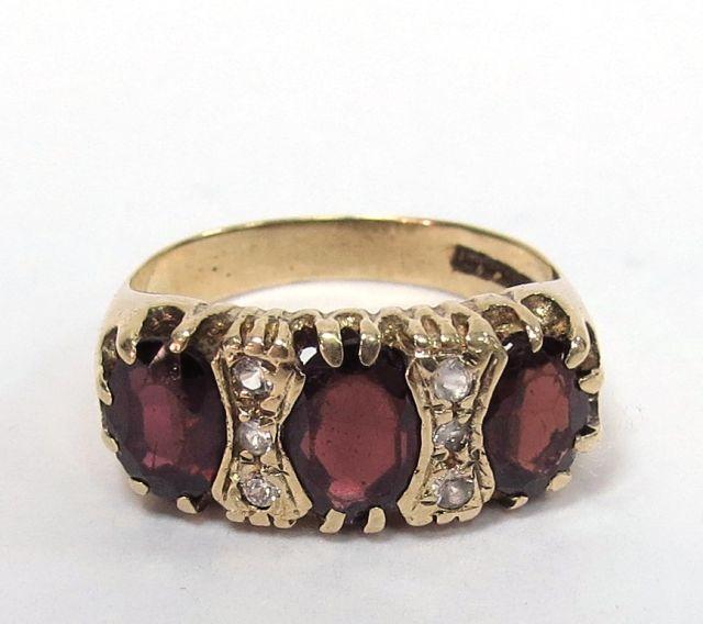 טבעת זהב 9K, עם שיבוץ אבני חן 5 גרם