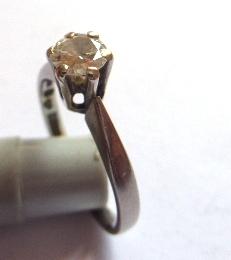 טבעת זהב לבן 18K, משובצת ביהלום כ-38 נק', 2.8 גרם