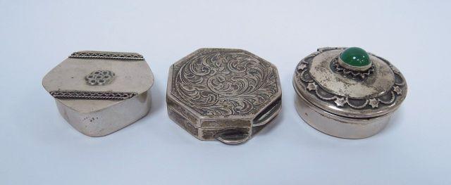 שלוש קופסאות טבק, כסף, דוגמאות שונות