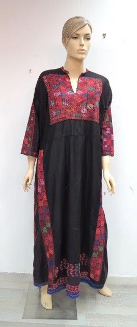 שמלה בדואית רקומה