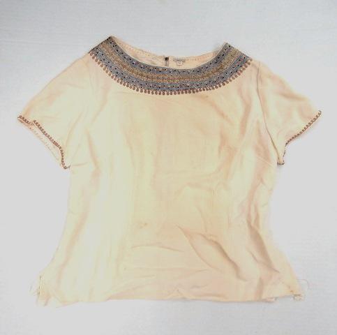 חולצת בד ג'ורגט צהוב מוכתם עם עבודת רקמה תימנית איכותית