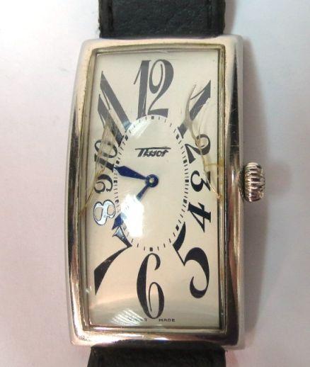 שעון יד תוצ Tissot לוח מלבני, מנגנון קוורץ