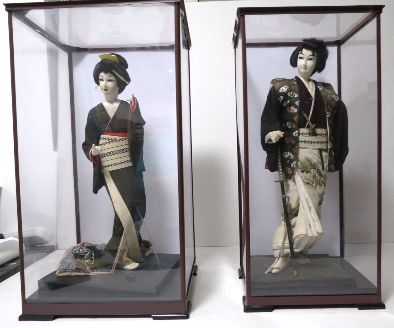 זוג פיגורות יפניות, גבר ואישה בליבוש מסורתי