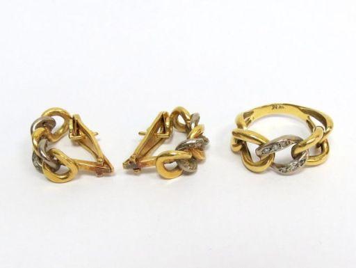"""סט זוג עגילים וטבעת, זהב 18K משובצים ס""""ה 20 יהלומים, כ-1 נק' כ""""א', ס""""ה 19.3 גרם"""