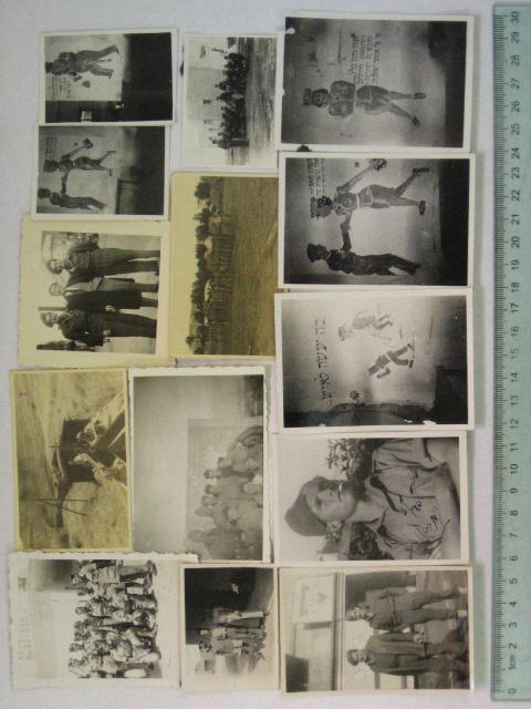 14 צילומים, קבוצת חיילים בשירות הצבא האנגלי ,בריגדה (9), וסיפור מצוייר מקירות המחנה (5)