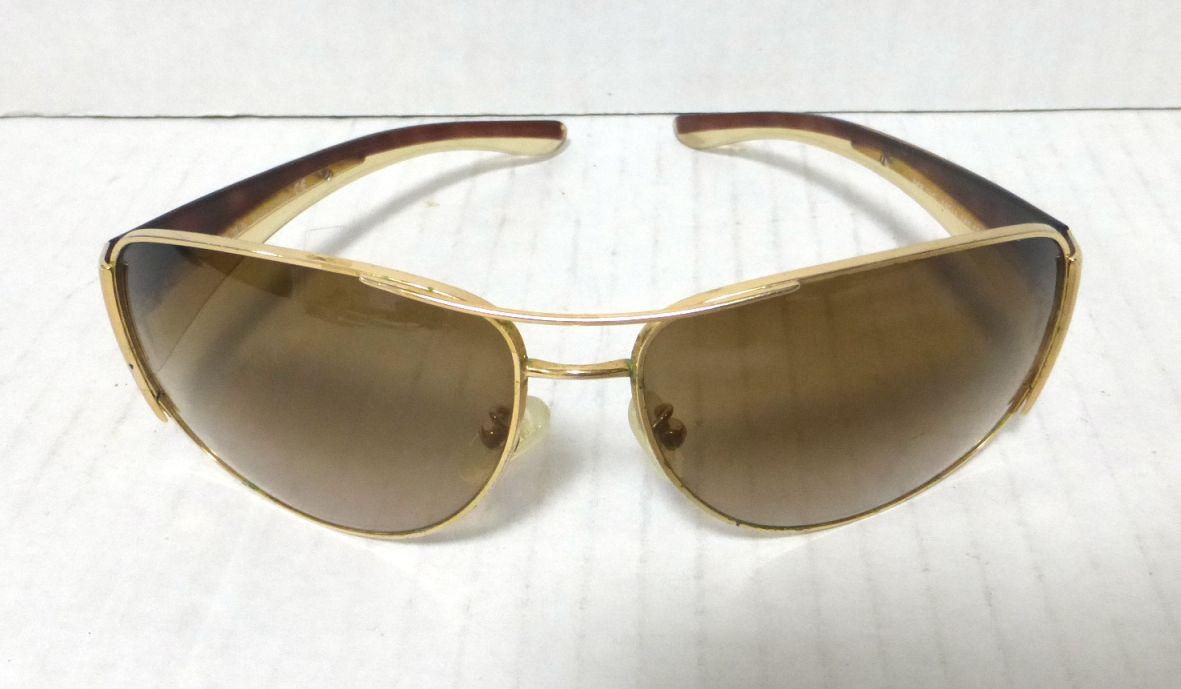 משקפי שמש תוצ Prada