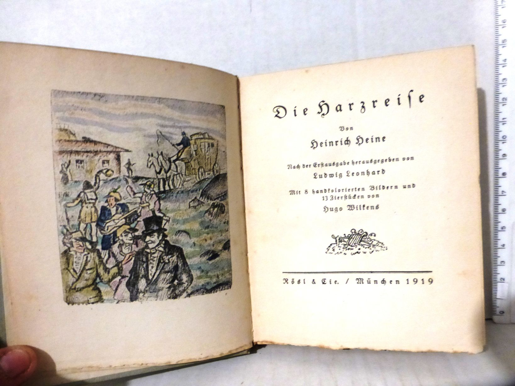 המסע להרץ, עם 8 לוחות צבועים ביד Die Harzreise, mit 8 Handkolorierten Bildern und 13 Zierstuecken von Hugo Wilkens, Muenchen 1915