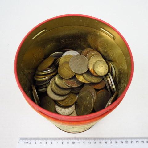 """ארבעה ק""""ג של מטבעות """"כל העולם"""" תקופות שונות"""