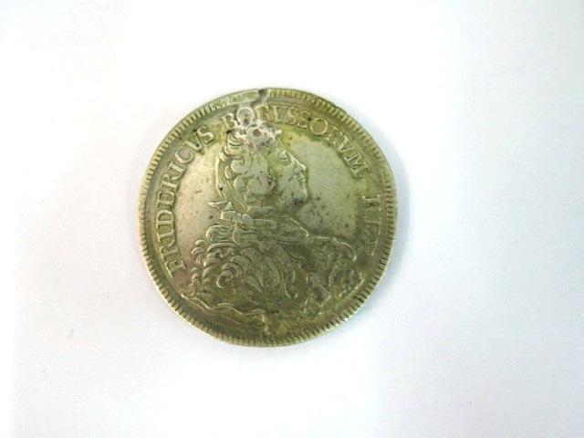 """מטבע כסף ע""""ס Ein Reichsthaler Fridericus Borrssorum Rex., 1751 B, Good"""
