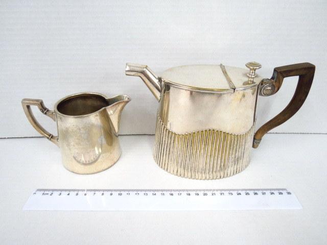 קנקן קפה קטן וקנקן חלב מצופים כסף, תוצ WMF, שנות ה20