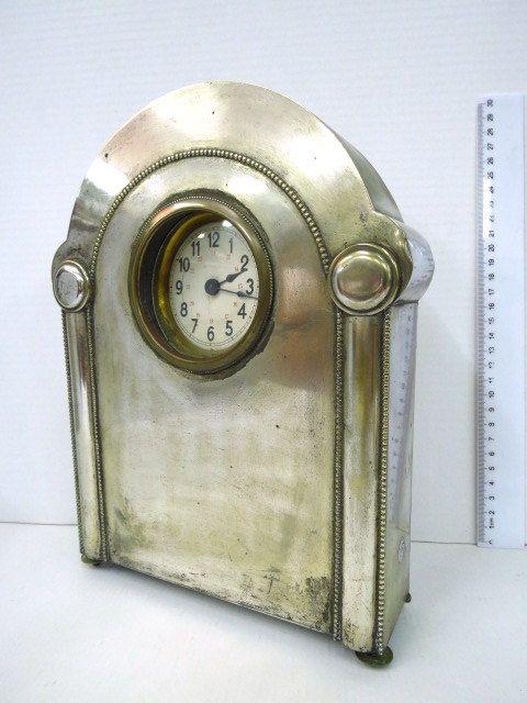 שעון מדף, הקופסה מצופה כסף אר-דקו