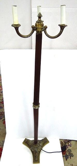 מנורה עומדת, עץ וברונזה, סגנון המאה ה18