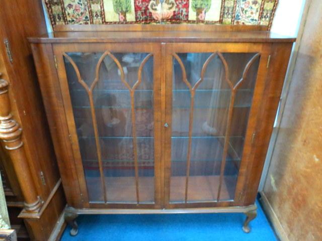"""ויטרינה אדוארדית מלבנית גובה 114 ס""""מ, רוחב 108 ס""""מ, עומק 29 ס""""מ"""