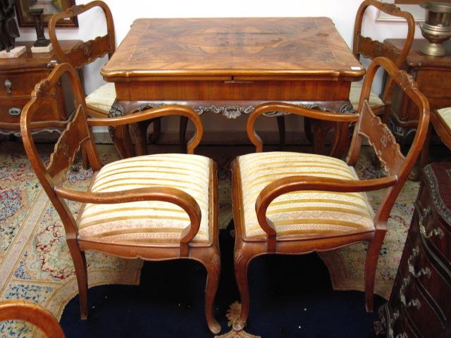 שולחן עץ מלבני, סגנון קוין אן פורניר בהיר עם מרקטרי, 2 פתיחות (פגמים