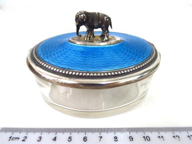 קופסת זכוכית עם מכסה כסף 800 עם אמייל כחול, פגם קל , הידית צורת פיל הודי