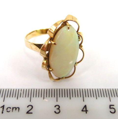טבעת זהב 14K, משובצת באופל אובלי