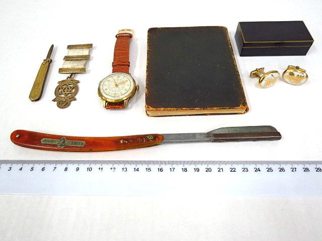 """מלחמת העולם הראשונה, מדריך לטקסים מסוניים, קופסת טבק, הזהבה ע""""ג אמייל, זוג חפתים, סכין גולות, אולר קטן ואות מסוני"""