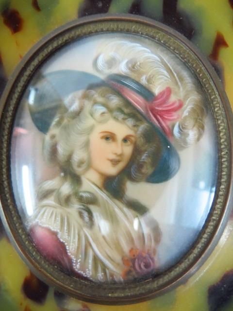 גברת עם כובע