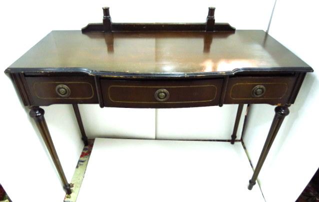שולחן כתיבה לגברת, 3 מגירות סגנון ג'ורג'יאני, המאה ה19