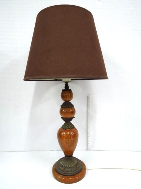 """מנורת שולחן, בסיס אלבסטר וברונזה, גובה 60 ס""""מ כולל אהיל"""