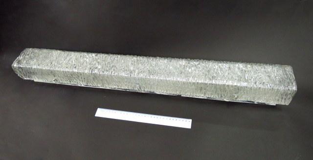 """מנורת קיר, האהיל עבודת זכוכית מורנו, אורך 90 ס""""מ"""