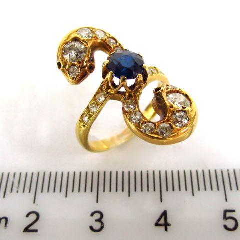 טבעת זהב 18K, משובצת 20 יהלומים ליטוש ישן וספיר כחול