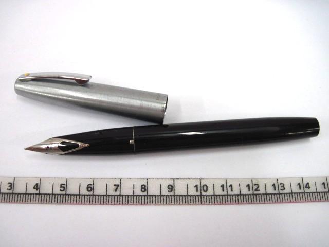 """עט נובע תוצ Shaeffer ארה""""ב גוף שחור, מכסה ניקל"""