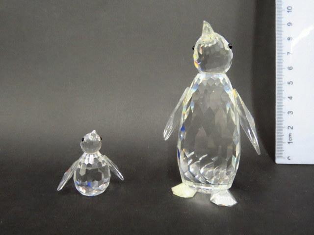 שתי פיגורות זכוכית קריסטל תוצ Swarowski, אוסטריה, פינגוין וגוזל (פגם קל)