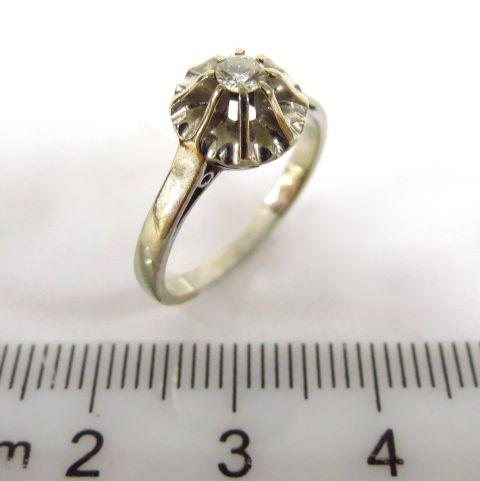 טבעת זהב לבן 18K, משובצת ביהלום כ-8 נק'